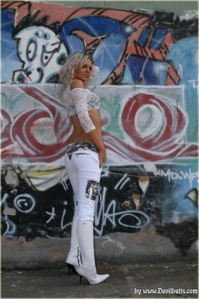 Jasmine Galerie 9