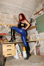 Manuela Galerie 27